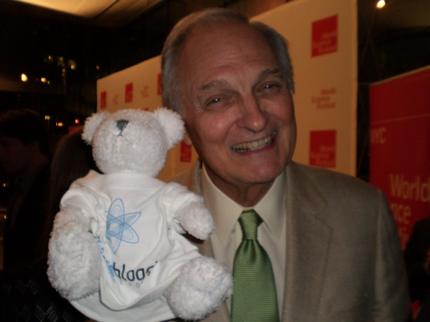Alan Alda with Bloggy the Science 2.0 mascot at the World Science Festival