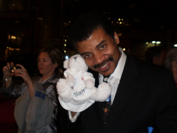 Neil deGrasse Tyson with Bloggy at World Science Festival