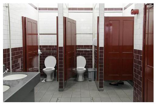 Coronavirus Risks In Public Bathrooms