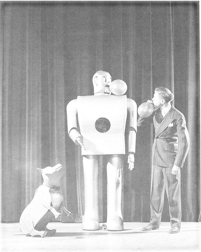 elektro and sparko GE 1939 early robots