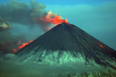 Klyuchevskoy volcano on May 31, 2007. Photo by Yu Demyanchuk